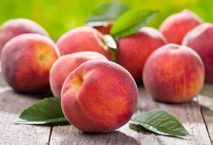 Как правильно пошагово делать осеннюю обрезку персика